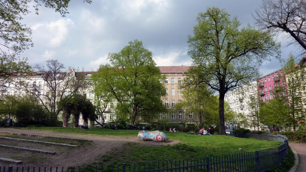 Berlin Prenzlauer Berg - Sanierungserhaltungsgebiet Helmholtzplatz - Bild 2