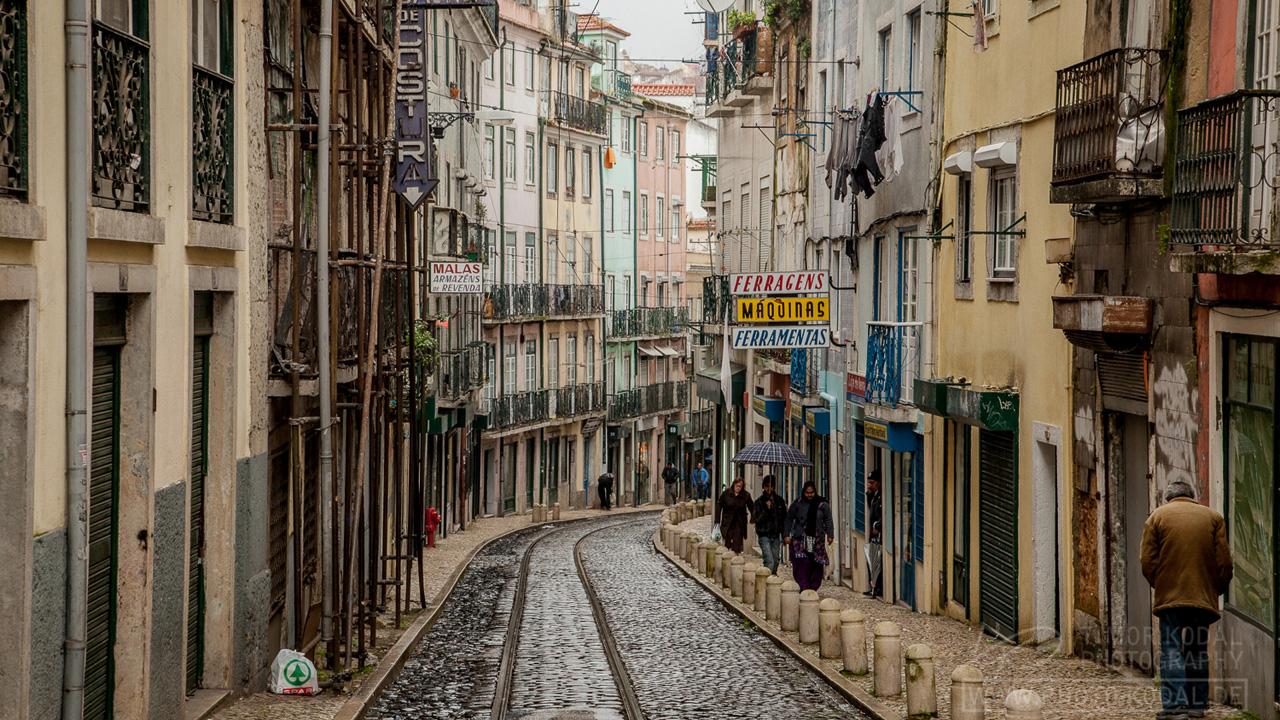 lissabon portugals hauptstadt eine kaputte sch nheit. Black Bedroom Furniture Sets. Home Design Ideas