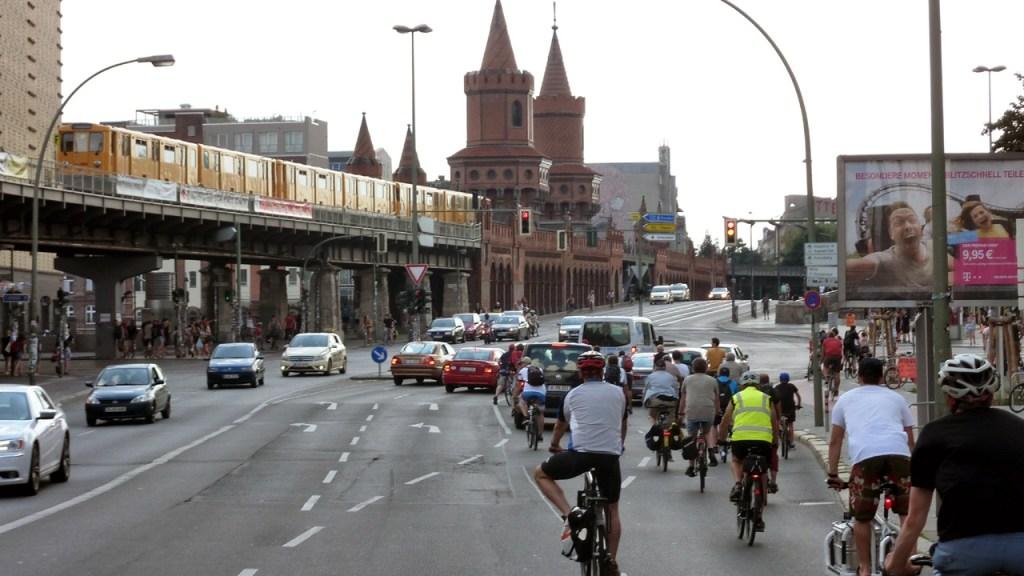 Critical Mass Berlin: Kritische Masse - Bild18 ©Orlando Mittmann – kritische-masse.net