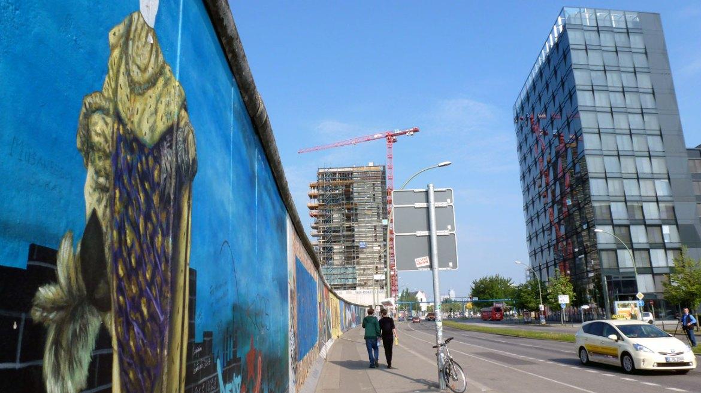 Geschichte und Moderne - die East Side Gallery und Mercedes