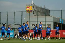 Barcelona team players return