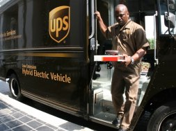 UPS-prepares-for-peak-USA-vs-UPU-are-carriers-the-winners