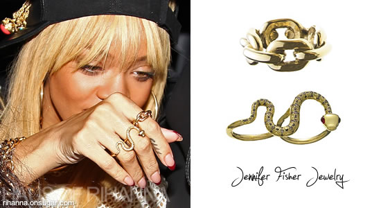 Rihanna in Jennifer Fisher jewelry - snake ring and xl chainlink ring