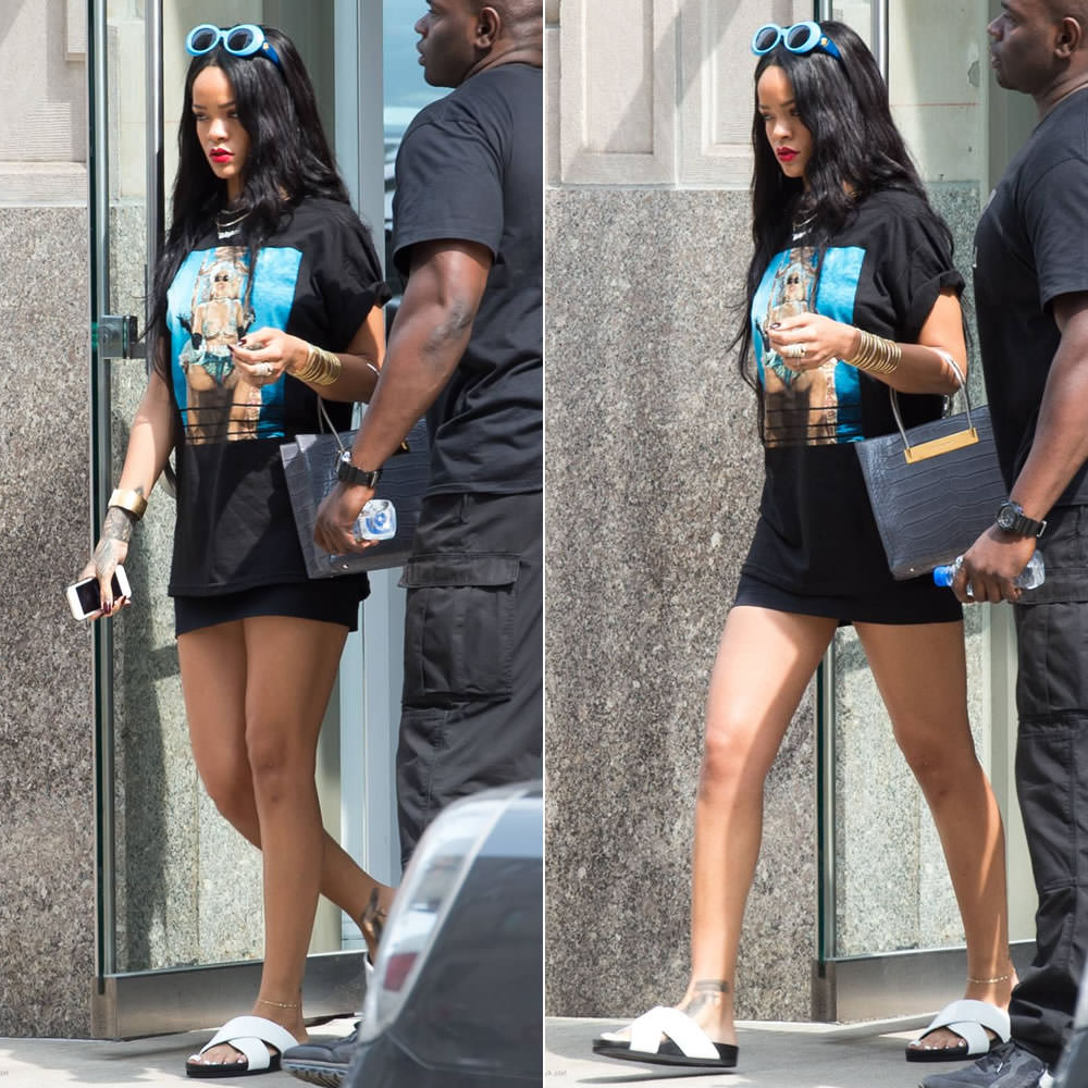 370be67026 Rihanna was photographed on her way to the MetLife Stadium in New Jersey  yesterday and she later posted some photos to Facebook from The Monster  Tour ...