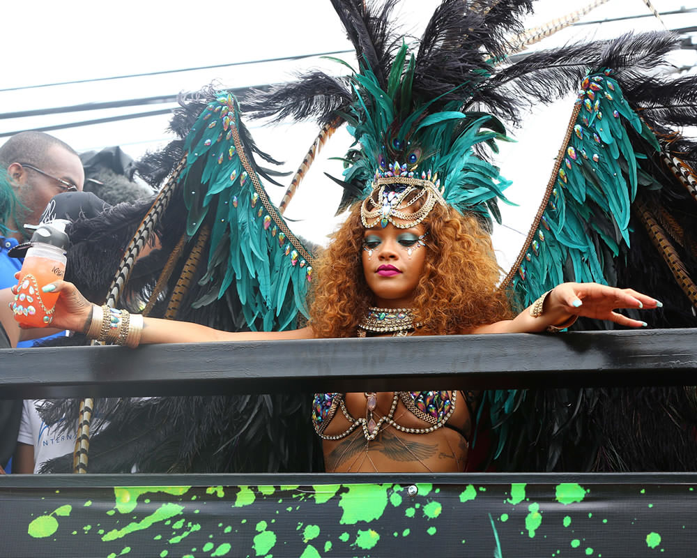 Kadooment rihannas costume recommendations to wear in autumn in 2019