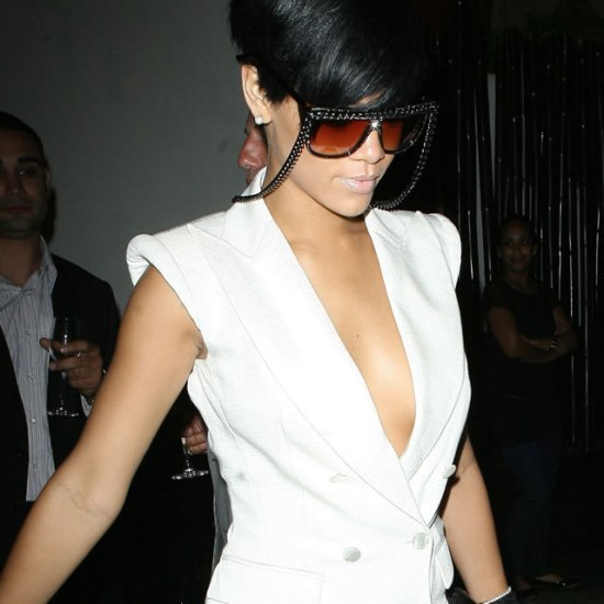 Rihanna in a-morir Love/Hate chain sunglasses