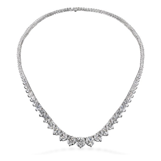 Hearts on Fire three prong diamond necklace as seen on Rihanna