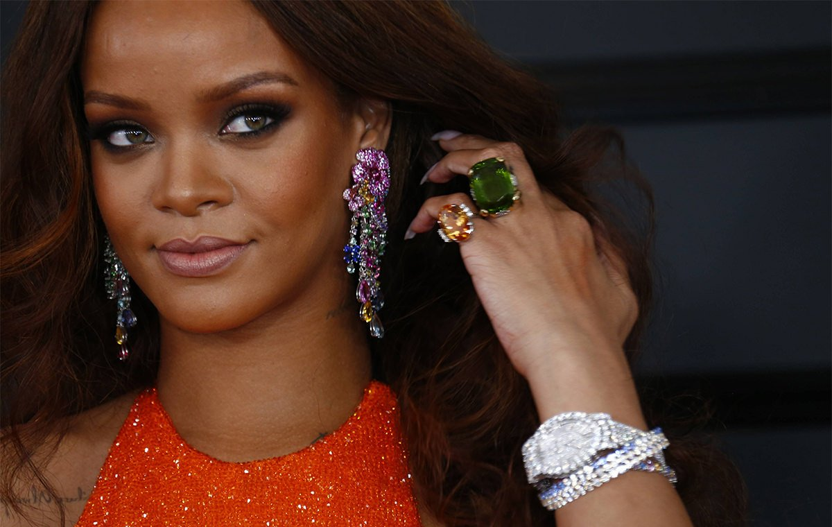 rhianna earrings rihanna teams up with chopard for jewellery collections 1737