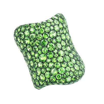 Etho Maria tsavorite ring from the Vibrant collection as seen on Rihanna