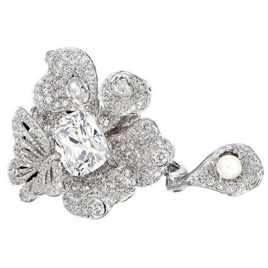 Anabela Chan diamond peony butterfly ring as seen on Rihanna