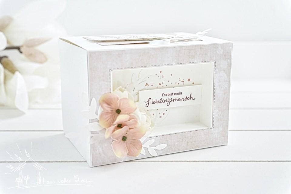 Schaufensterbox Anleitung mit Video-Tutorial. Viele Ideen mit einer Verpackung. Bastel das Geschenk zu Ostern, Frühling, Einzug oder oder.