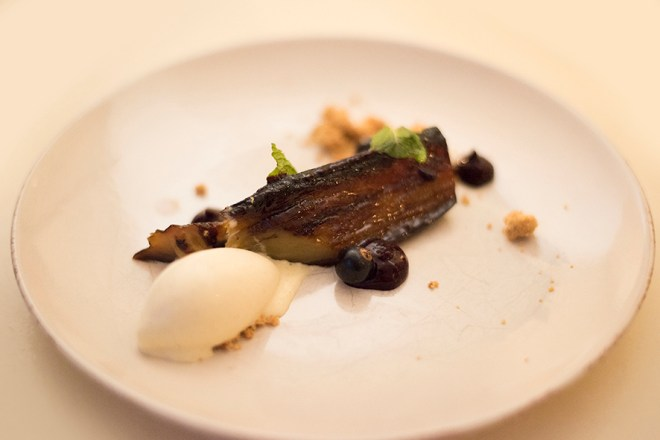 Aubergine, blackcurrant, vanilla
