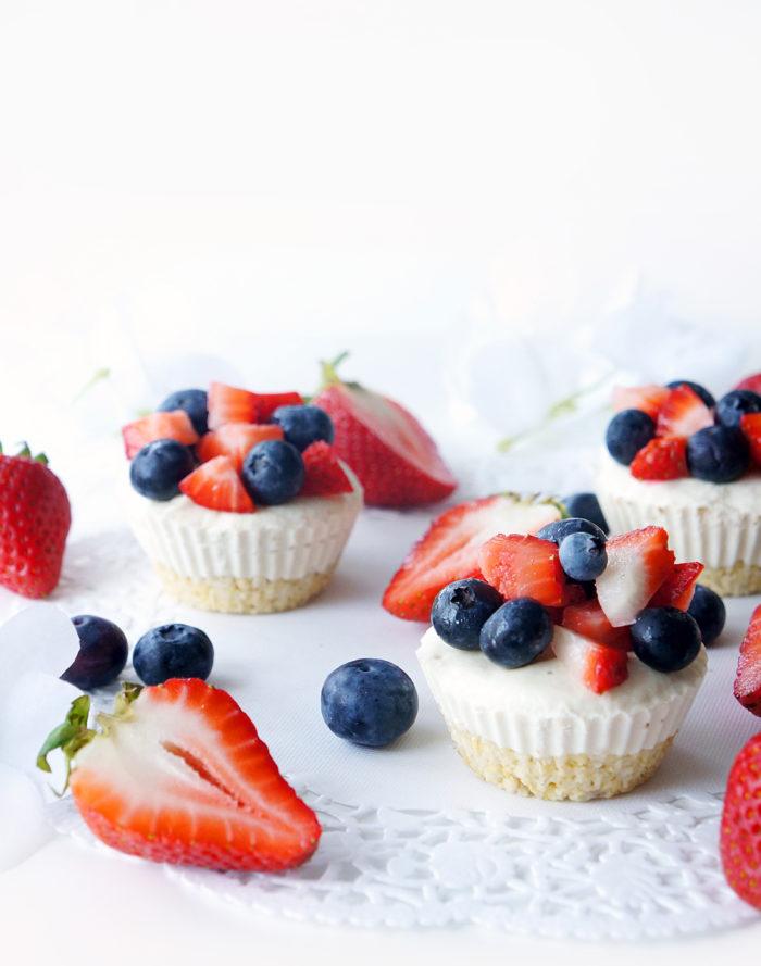 No-Bake Vegan Lemon Berry Cheesecake Cups