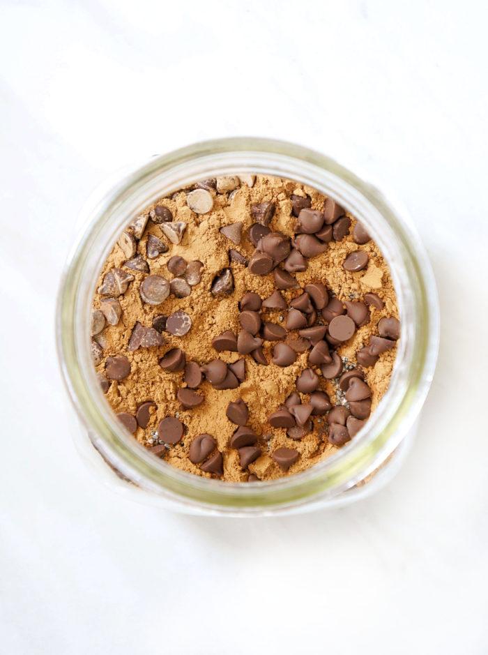 DIY Chocolate Brownie Mason Jar Overnight Oats