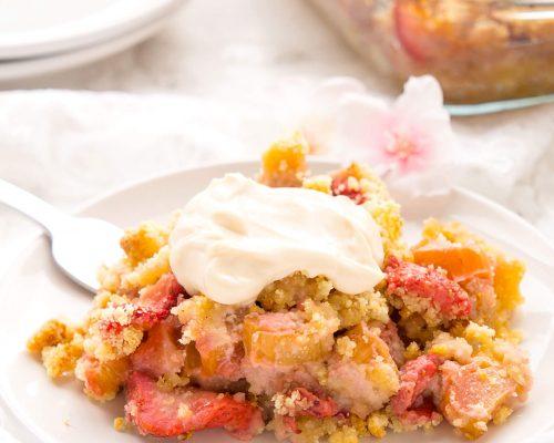 Healthy Strawberry Rhubarb Crumble
