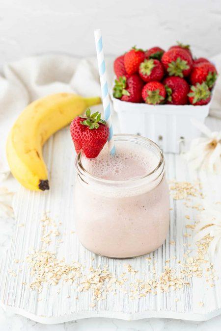 Strawberry banana smoothie in mason jar