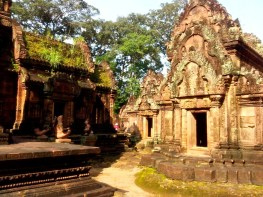 Banteay Srei grounds