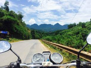 Good clear roads to Mai Chau