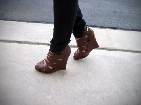 An Dyer BCBG Wedges