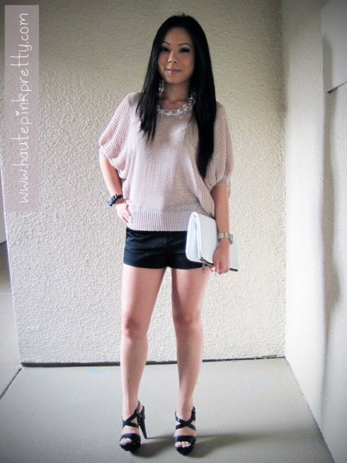 An Dyer wearing Jeffrey Lazaro White Leather Handmade Bag, Forever 21 Lightweight Dolman Sweater Top, Ring and Black Shorts, Jessica Simpson Kooza Sandals, Banana An Necklace and H&M Black Bow Bracelet