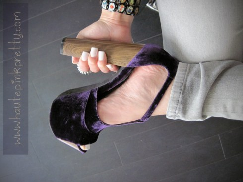 An Dyer wearing Jessica Simpson Dany in Plum