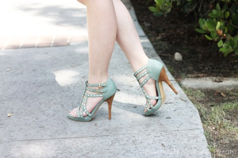 An Dyer wearing SoleSociety Soft Green Mint Loretta Strappy Sandal