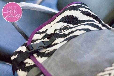 An Dyer HautePinkPretty Custom Designed Timbuk2 Messenger Laptop Bag - Zebra