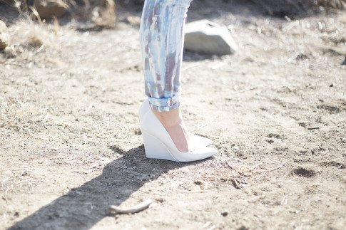 An Dyer wearing BleuLab Drip Tie Dye Ocean and Zara White Wedge Pumps