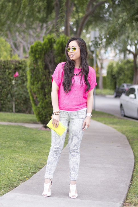 An Dyer wearing Bleulab Marble Tie Dye Jeans, shoedazzle mckinley, jewelmint Shadow Link Necklace, Zara Neon Yellow Box Clutch, Rainbow Mirrored Sunglasses
