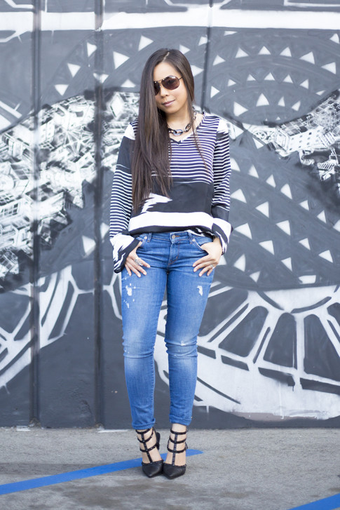 An Dyer wearing ShoeDazzle Sahara, Vaunt Black Snake Print Etched Aviator Sunglasses, Rich & Skinny Clinton Peg Jeans, JewelMint Shadow Link Necklace, Vintage Havana Striped BW Top
