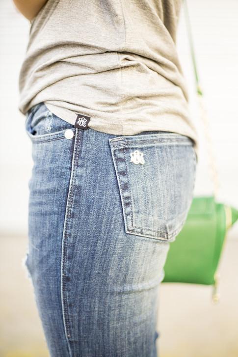 HautePinkPretty for Kohls Rock & Republic Berlin Distressed Skinny Jeans & Glitter Foil Tee in Heather Grey