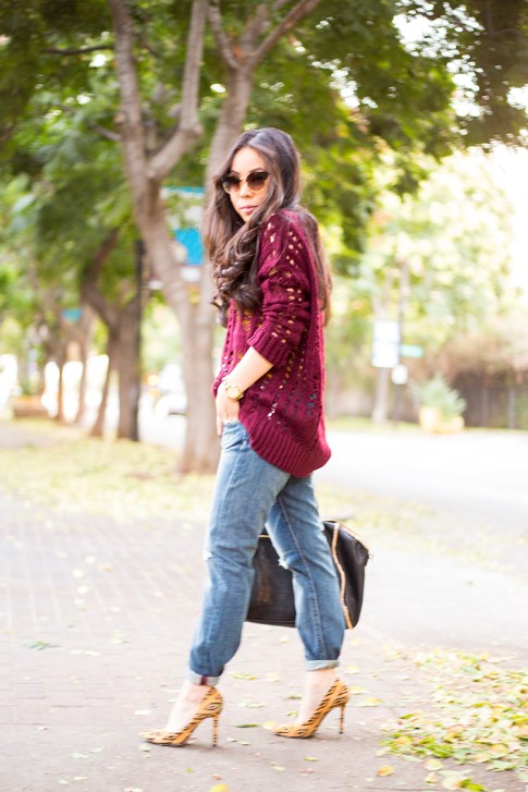 An Dyer wearing heartLoom Samara Knitted Sweater in Burgundy, Rich & Skinny The Boy & Girl Jeans, Sole Society Fergie