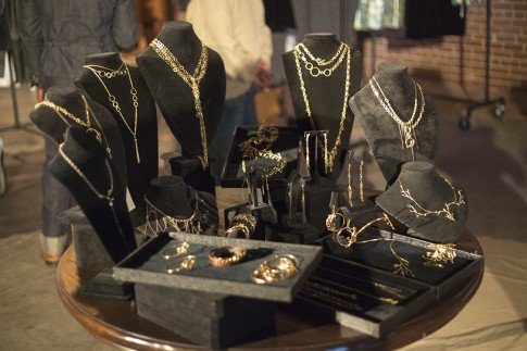 TRUFFL Jewelry Display