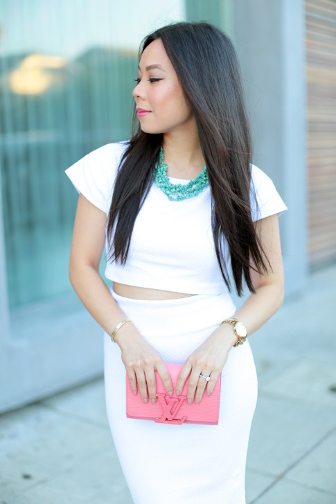 An Dyer wearing All White Bebe Street Style Louis Vuitton Louise Corail