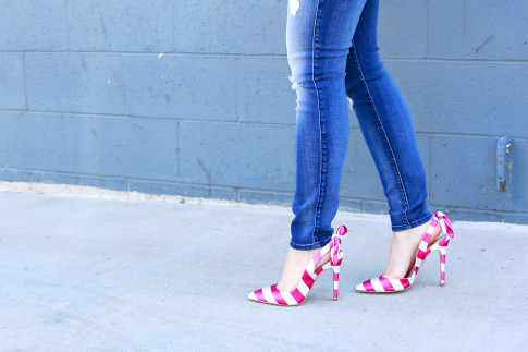 An Dyer wearing 7 For All Mankind Jeans with ShoeDazzle Nina slingback pink stripe bow pumps