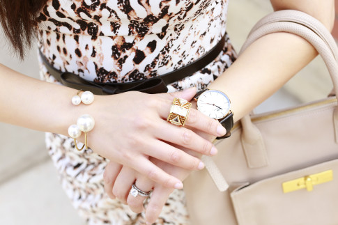 An Dyer wearing Isharya Ring with Pearl Cuff Bracelet and Daniel Wellington Classic Sheffield Lady Watch
