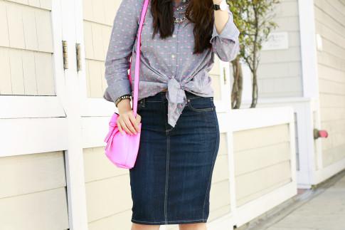 An Dyer wearing Splendid Shoreside Dot Shirt, CJ By Cookie Johnson Denim Skirt, Schaffer LA Pink Mini Bucket Bag