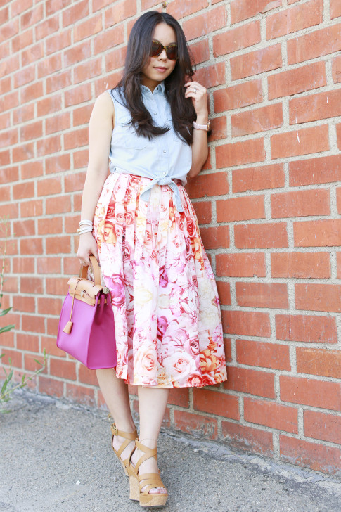An Dyer wearing Sleeveless Denim Tie Knot Top with ChicWish Pink Ombre Floral Midi Skirt