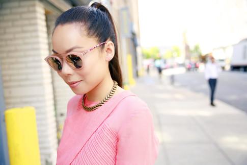 An Dyer wearing Guess Kara Sunglasses in Pink