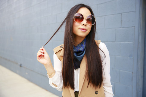 An Dyer wearing Chloe Inspired Wire Rim Round Sunglasses