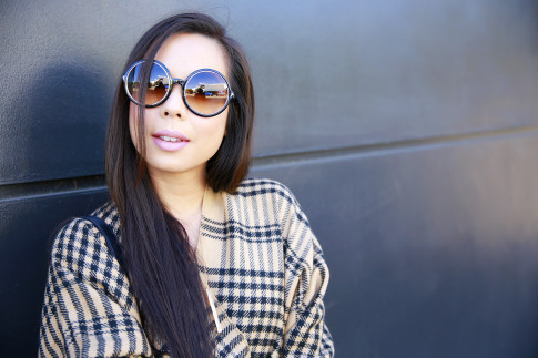 An Dyer wearing Tom Ford Carrie round Sunglasses