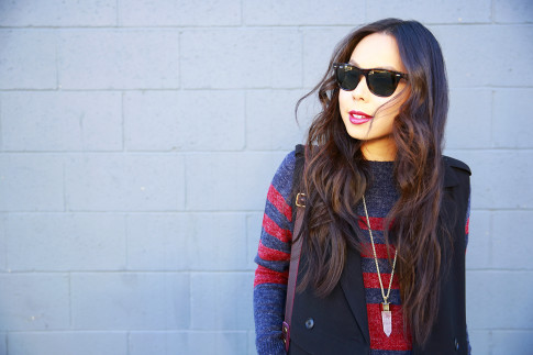 An Dyer wearing RayBan Wayfarer Oversized Red Blue Stripe Rubgy Sweater Dress Kendra Scott Necklace