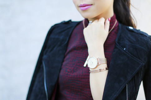 An Dyer wearing The Peach Box rose gold watch