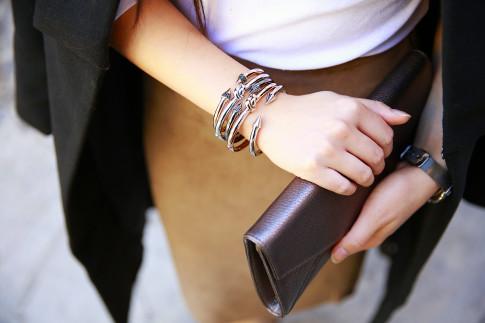 An Dyer wearing bronzallure bracelet stack