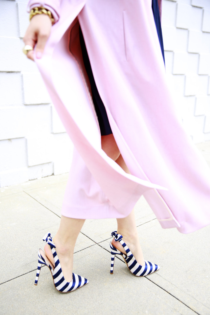 An Dyer wearing ShoeDazzle Lynden Navy Strip Bow Pumps c