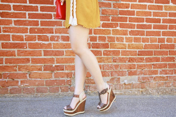 An Dyer wearing Shoedazzle Hanni Brown Jute Platform Sandals