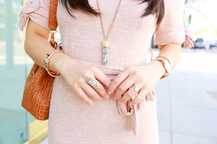 An Dyer wearing Kendra Scott