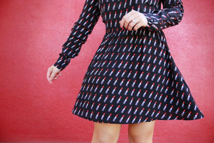 blogger-wearing-forever-21-lipstick-dress