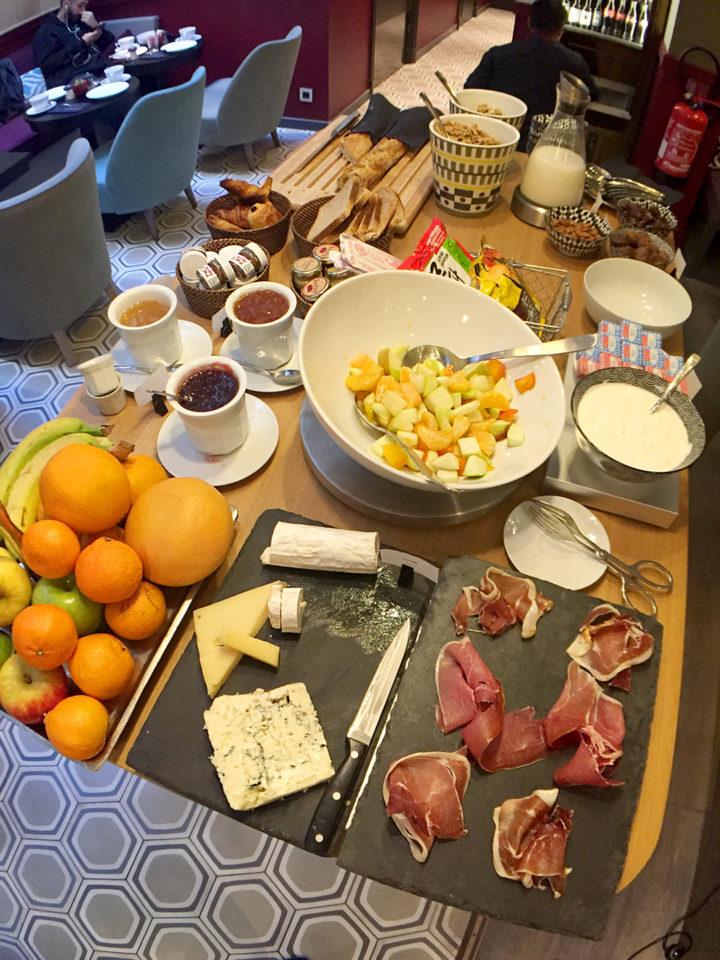 hotel-adele-et-jules-breakfast-buffet