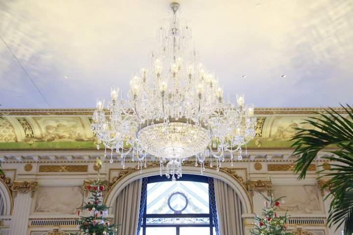 peninsula-paris-chandeliers